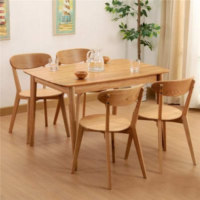 Top 5 mẫu bàn ghế gỗ quán cafe đẹp và hot nhất hiện nay
